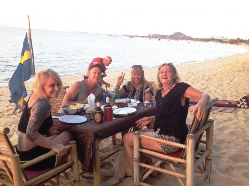 happy-group-on-beach